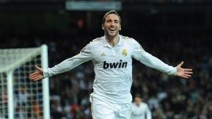 Higuain là sự cạnh tranh lớn nhất mà Benzema phải đối diện ở Real